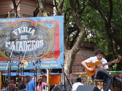 Show musical na feira de Mataderos