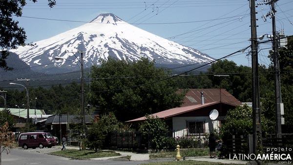 Pucón e o Vulcão Villarica, no Chile