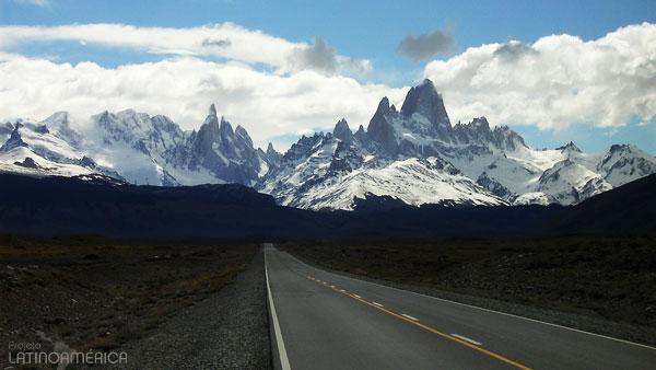 Estrada a El Chalten, Argentina