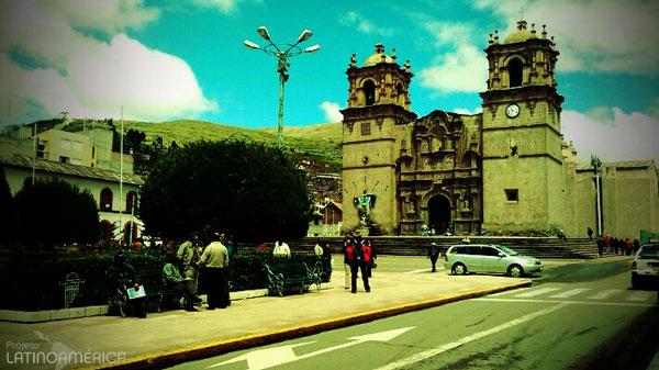 Praça de Armas, Puno, Peru